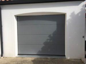 Porte de garage aluminium en Vendée